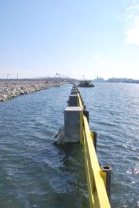 Falochron Wschodni - roboty konstrukcyjne - widok od strony morza