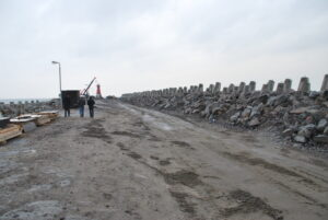 Falochron Wschodni - prace związane z konstrukcjami narzutowymi