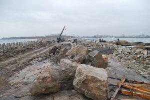 Falochron Wschodni - postęp prac konstrukcyjnych