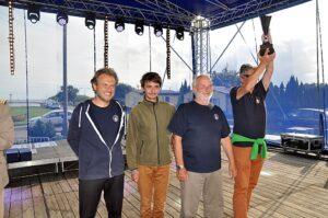 zwycięska załoga jachtu TURKUS - Urząd Morski w Szczecinie