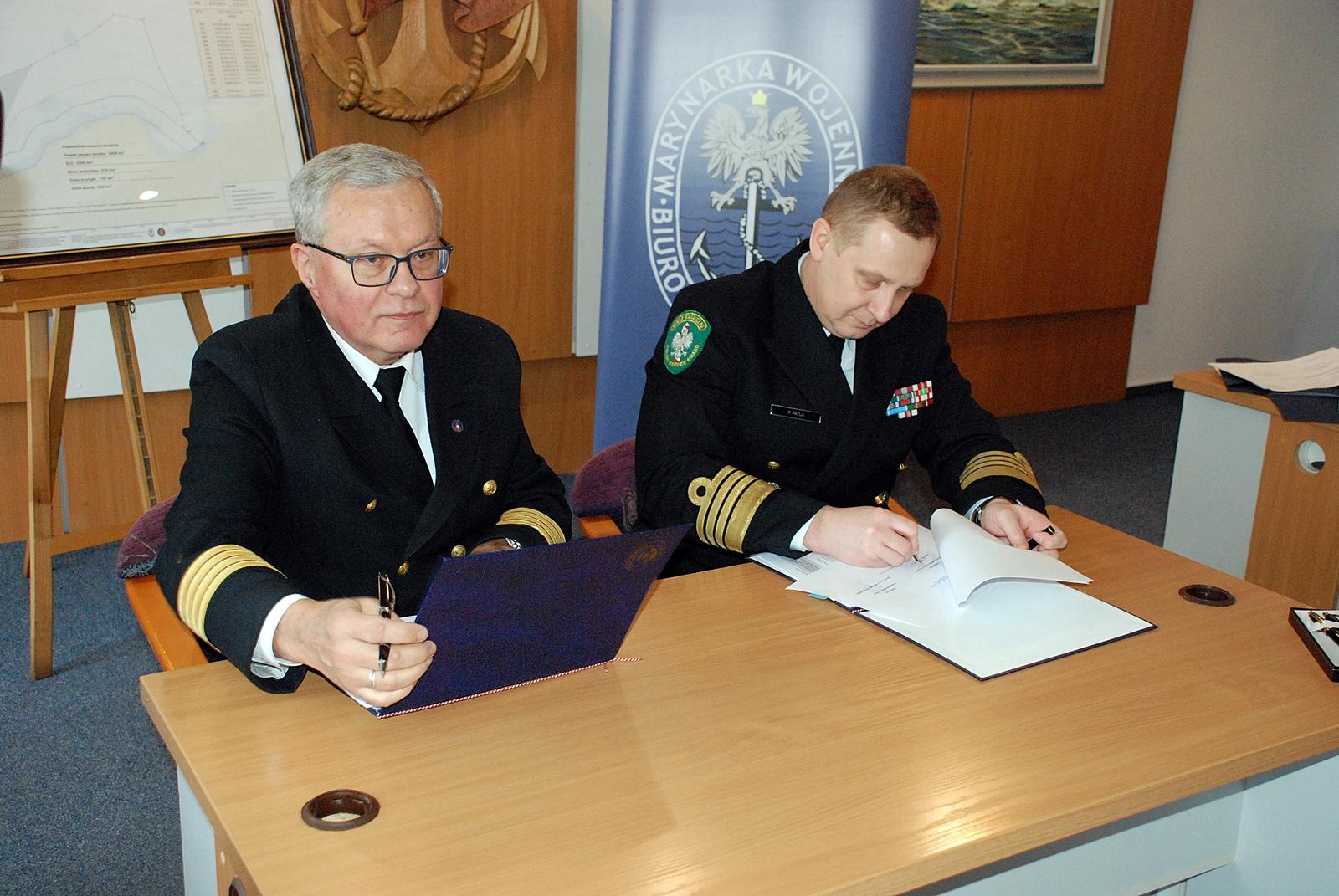 Dyrektor Urzędu Morskiego w Gdyni, Wiesław Piotrzkowski i Komendant MOSG, kmdr dr Piotr Patla