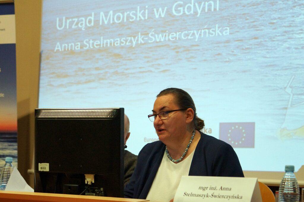 mgr inż. Anna Stelmaszyk-Swierczyńska, Z-ca Dyrektora ds. Technicznych w trakcie prezentacji