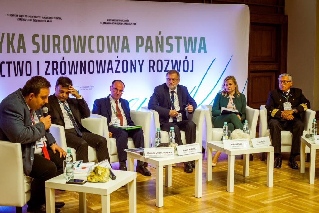 Uczestnicy panelu dyskusyjnego