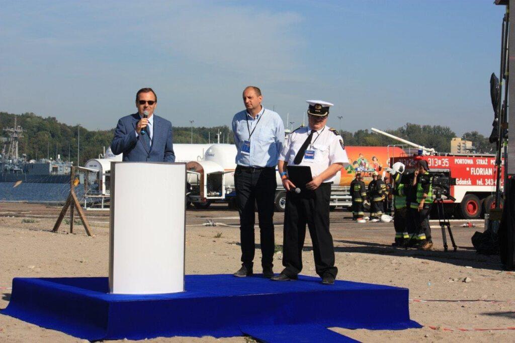 Wystąpienie Dyrektora Urzędu Morskiego odczytał Zastępca ds. Oznakowania Nawigacyjnego Jan Młotkowski