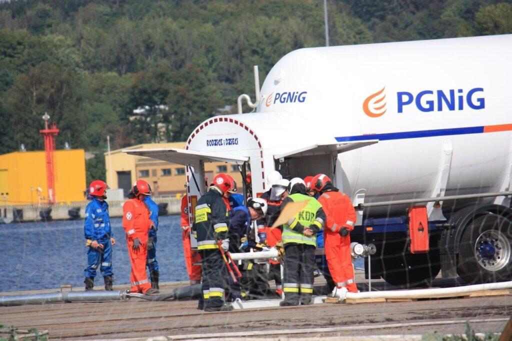 Przygotowania instalacji LNG do symulowanego bunkrowania statku