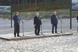 Konferencja prasowa z udziałem ministra gospodarki morskiej i żeglugi śródlądowej Marka Gróbarczyka, prezesa Prawa i Sprawiedliwości Jarosława Kaczyńskiego oraz posła Jerzego Wilka.