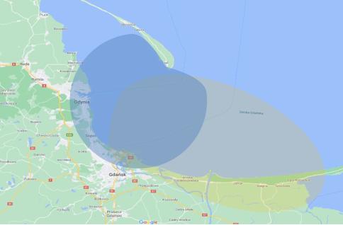 Schematyczna ilustracja zasięgów pracy istniejących stacji nadawczych systemu RTK Zatoka Gdańska. Kolorami zaznaczono odpowiednio: niebieski – stacja Hel, żółty – stacja Gdańsk Port Północny