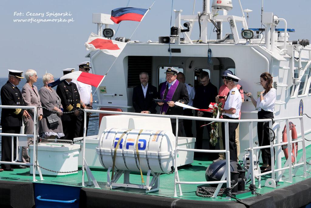 Organizatorzy Święta Morza na pokładzie Kontrolera 20